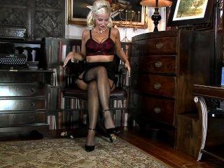 Jennifer Jade- Slender Legs And Shaved Pussy