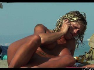 Beach Voyeur Hd Video Spycam Milfs