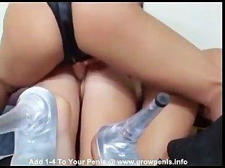 Wonderfull Lesbian Threesome