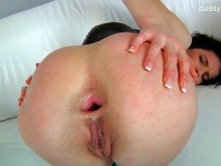 Glamour Pussy Creampie