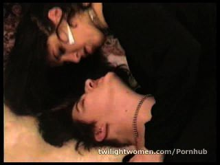 Twilightwomen Lesbian Lovers Tribbing To Multiple Orgasms