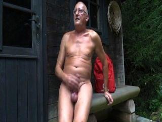 Frau nackt beim umziehen