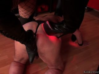 1 Slave 6 Boots