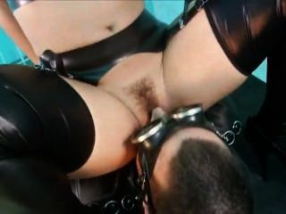 Police Woman In Latex Wants Two Anal